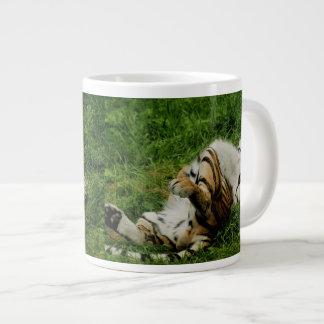 不精な日のトラ ジャンボコーヒーマグカップ