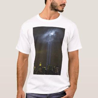 世界貿易センター捧げ物ライト Tシャツ