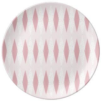世紀半ばのモダンなピンクのアーガイル柄のな磁器皿 磁器プレート
