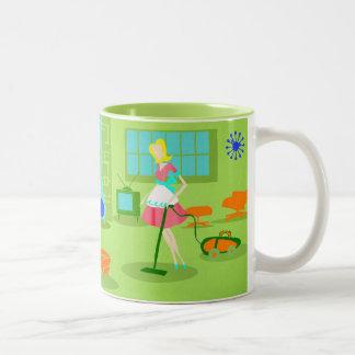 世紀半ばのモダンなレトロの主婦のコーヒー・マグ ツートーンマグカップ