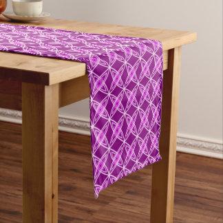 世紀半ばのモダンな原子プリント-紫色の紫色 ショートテーブルランナー