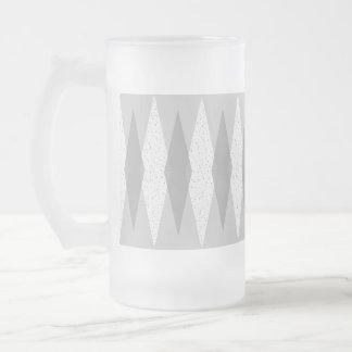 世紀半ばのモダンな灰色のアーガイルの曇らされたガラスのマグ フロストグラスビールジョッキ