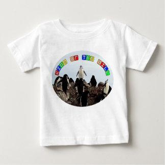 丘のベビーのワイシャツの王 ベビーTシャツ