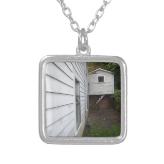 丘の小屋 シルバープレートネックレス