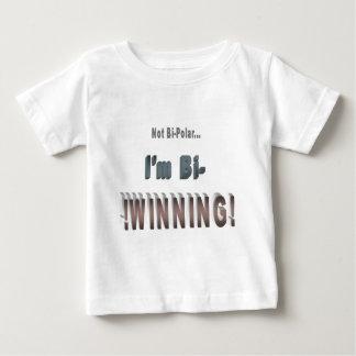 両極… 私はBi勝っています! ベビーTシャツ