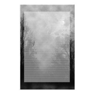 並ぶ幽霊のよく出るな空のノート紙 便箋