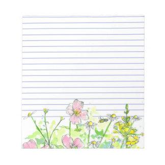 並ぶ蜂蜜の蜂のChamomileの黄色Snapdragons ノートパッド