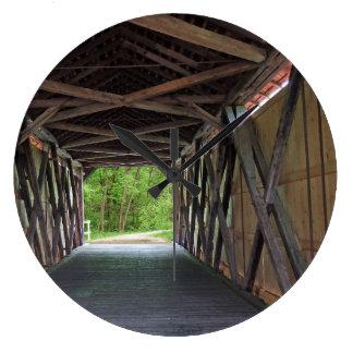 中のサンディの入り江橋Hillsboroミズーリ ラージ壁時計