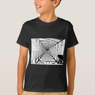 中の油の掘削装置のスケッチ Tシャツ
