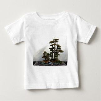 中国のな杜松の盆栽の木 ベビーTシャツ