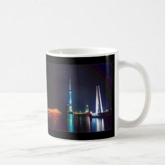 中国の上海の東洋の真珠タワー コーヒーマグカップ