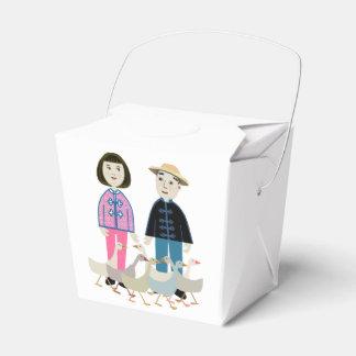 中国の男の子および女の子 フェイバーボックス