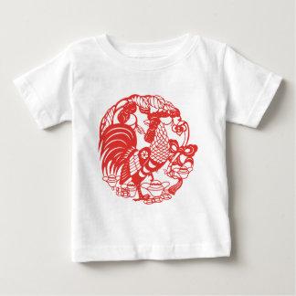 中国人のPapercutのオンドリ年2017年 ベビーTシャツ