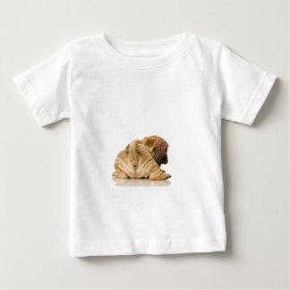 中国人のShar-peiの小犬 ベビーTシャツ