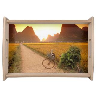 中国、広西。 ヤンチョウの国の自転車 トレー