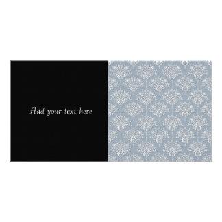 中型のブルーグレーおよび白のダマスク織 カード