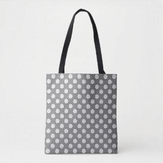 中型の灰色の白黒のバレーボールの球 トートバッグ