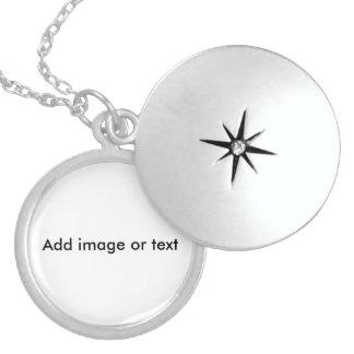 -中型の純銀製の円形のロケットを個人化して下さい スターリングシルバーネックレス