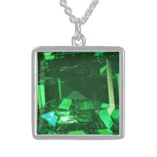 中型の純銀製の正方形のネックレスのエメラルド スターリングシルバーネックレス