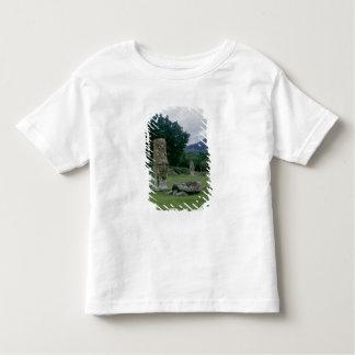 中央広場の前庭の石碑 トドラーTシャツ