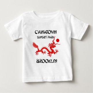 中華街の日没公園、ブルックリン ベビーTシャツ