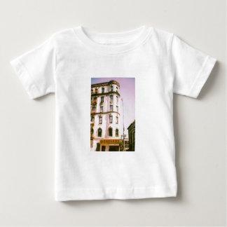中華街、ニューヨーク ベビーTシャツ