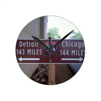 中途半端なポイント、デトロイトシカゴ ラウンド壁時計