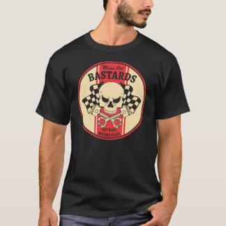 中間の古い粗悪品のスカル Tシャツ