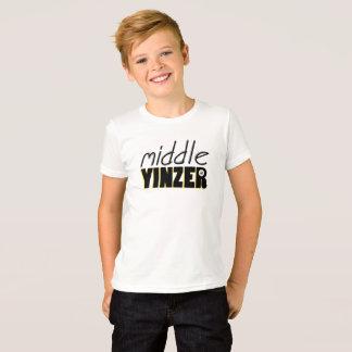 中間のYinzer Tシャツ