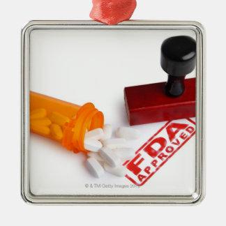 丸薬のボトルおよびFDAはゴム印を承認しました メタルオーナメント