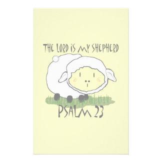 主は私の羊飼いの賛美歌23の乳児のTシャツUです 便箋