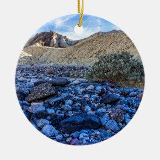 乾燥した川床および景色 セラミックオーナメント
