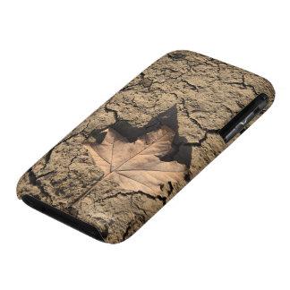 乾燥した汚れた土-秋の写真撮影の死んだ葉 Case-Mate iPhone 3 ケース