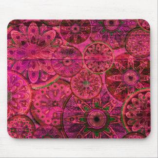 予測できないレトロの鮮やかなピンクパターン。 xo PJ マウスパッド