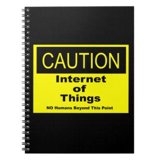 事のIoTの注意の警告標識のインターネット ノートブック