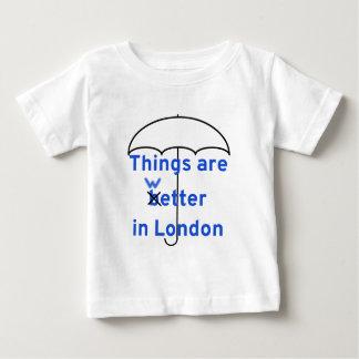 事はロンドンでよりぬれています! ベビーTシャツ