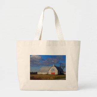 二百年毎の納屋の白 ラージトートバッグ