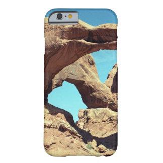 二重アーチ BARELY THERE iPhone 6 ケース