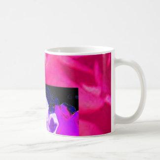 二重バラの白いピンク コーヒーマグカップ