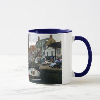 井戸次海の写真のデザインのマグ マグカップ