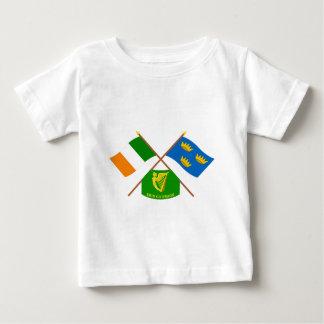 交差させたアイルランドおよびミュンスターProvinceFlags wエリン ベビーTシャツ