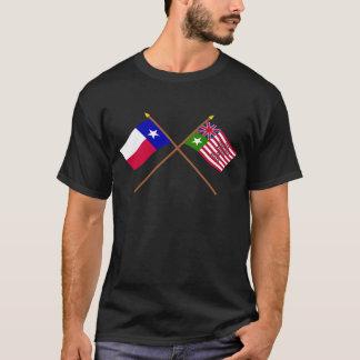 交差させたテキサス州およびSan Felipeの旗 Tシャツ