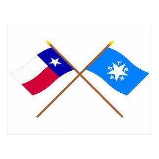 交差させたテキサス州およびZavalaの旗 ポストカード