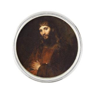 交差する彼の腕を搭載するイエス・キリスト ラペルピン