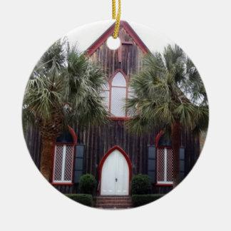 交差のBlufftonの教会、サウスカロライナ セラミックオーナメント
