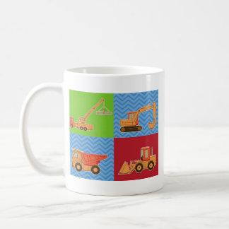 交通機関の重い装置-コラージュ コーヒーマグカップ