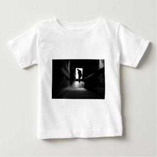 人々のシルエット ベビーTシャツ