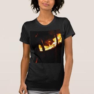 人および火 Tシャツ