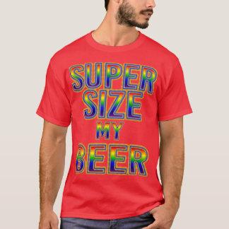 人のすごいサイズビール。 Tシャツ