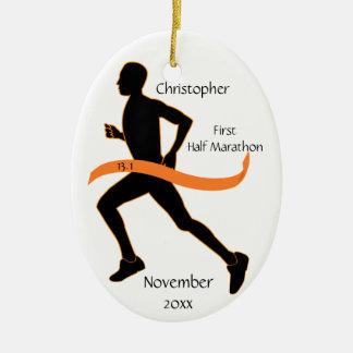 人のオレンジの半分のマラソン選手のオーナメント セラミックオーナメント